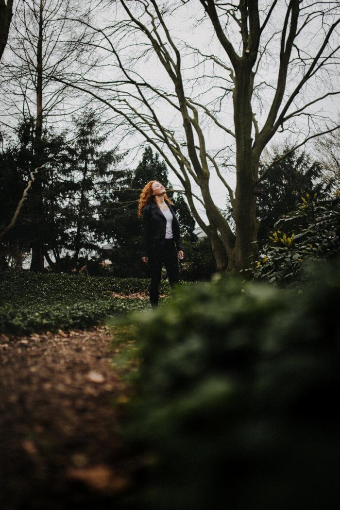 Porträtshooting im März im idyllischen botanischen Garten in Klein Flottbek