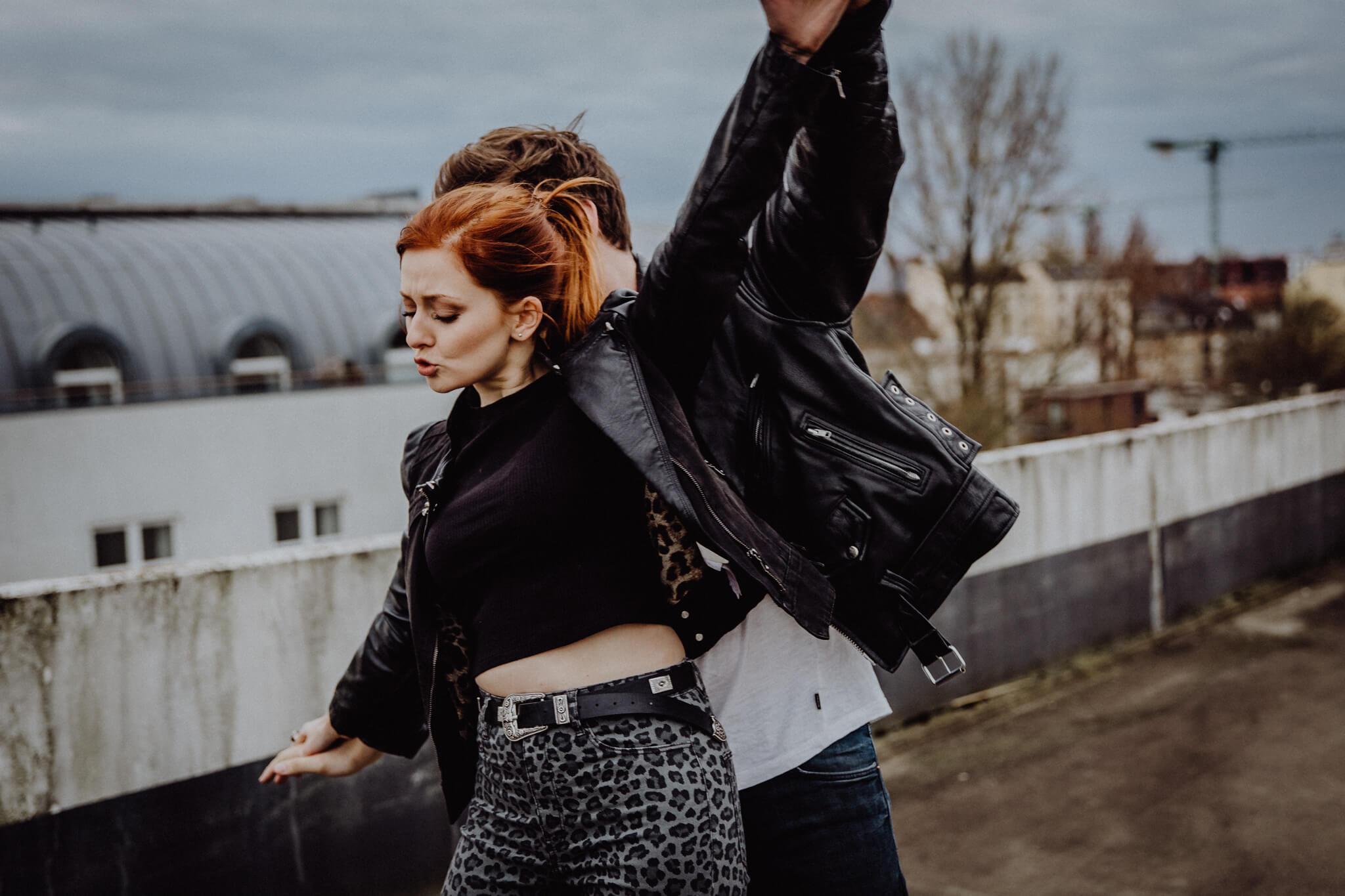 Lockere Stimmung beim Paarshooting in Hamburg